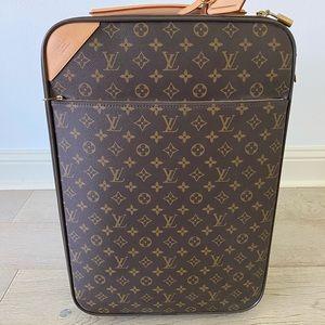 Louis Vuitton Pegase 55 Leg. Mng